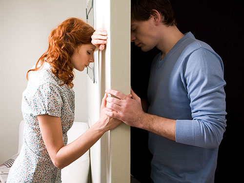 1-couple-relationship-issues-lgn