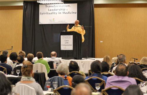 RadhanathSwamiSpeakesattheTransformationLeadershipSpiritualityinMedicineConference