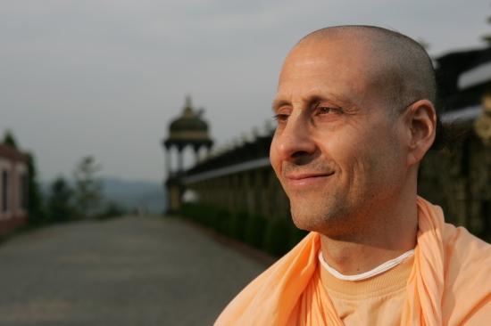 Radhanath-Swami-Closeup.jpg